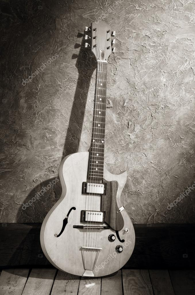 vintage jazz guitar — Stock Photo © estudiosaavedra #65887507