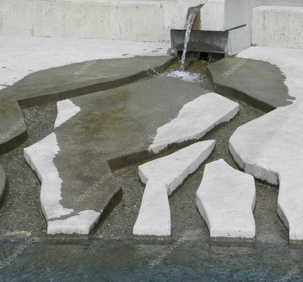 Moderne Brunnen Stockfoto C Mbudley 53259199