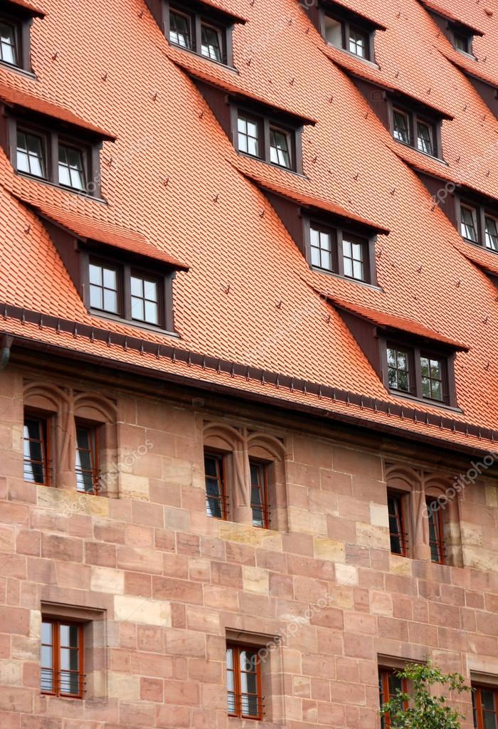 Finestre e il tetto della casa dettaglio foto stock 3d for Tetto della casa moderna