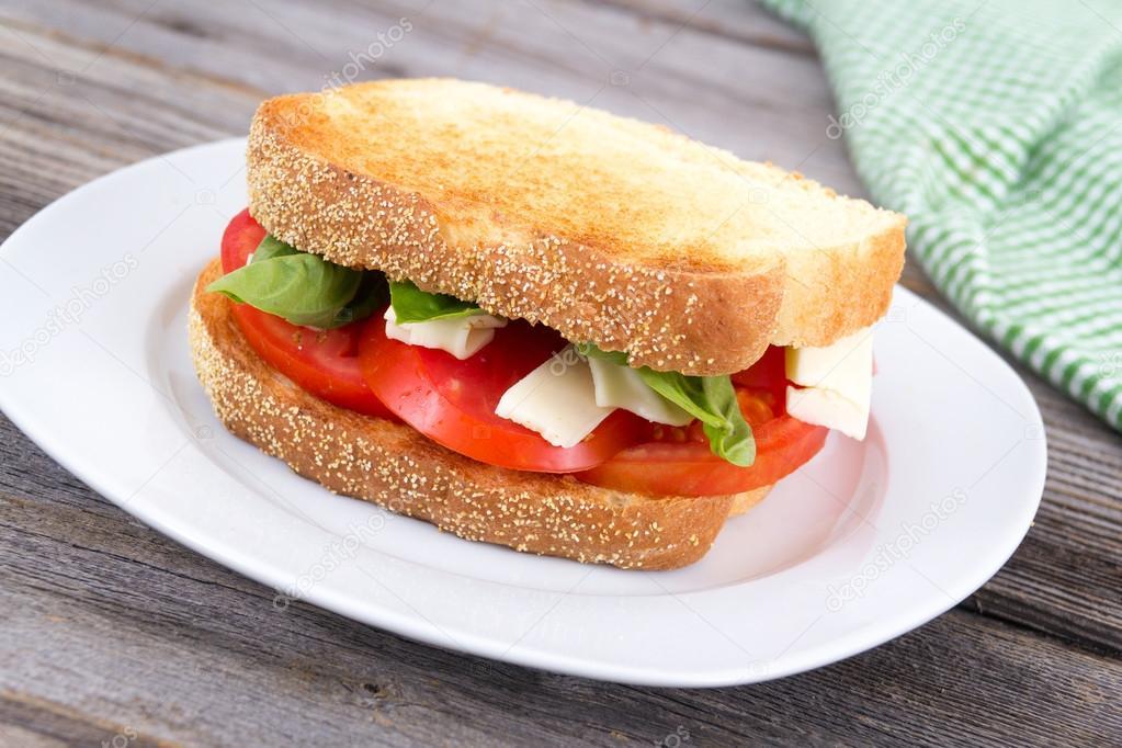 Queso Y Tomate Sándwich Albahaca De rodxBWCe