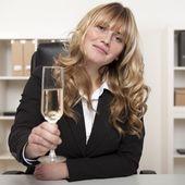 úspěšná podnikatelka, přípitky šampaňským