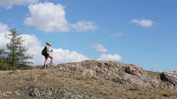 Žena v horských
