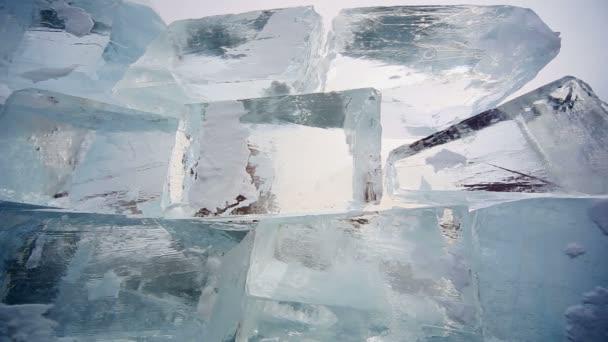 A jég felületén a szépség, a szerkezet, a jég, a Bajkál-tó panoráma