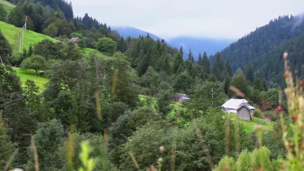 panoramatický pohled na hory