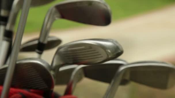 Golfové hole v golfový bag