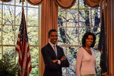 Barack and michelle Obama wax figures in Madame Tussaud's museum in New York