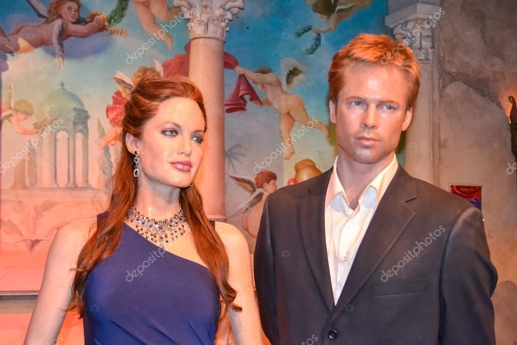 Angelina Jolie and Brad Pitt wax figures in Madame Tussaud's museum in New York