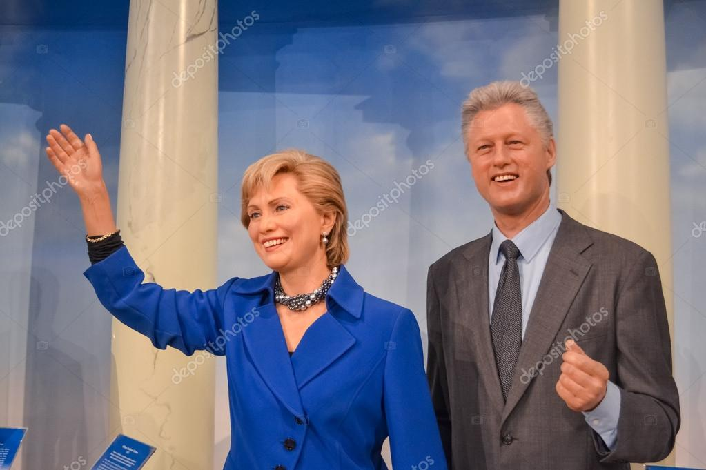 Bill and Hillary Clinton wax figures in Madame Tussaud's museum in New York
