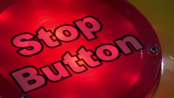 Blikající červené tlačítko zastavit