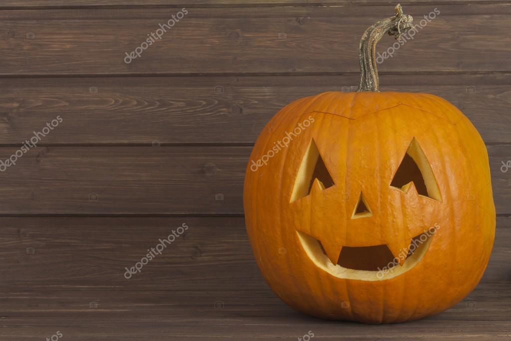 T te de citrouille halloween sur fond en bois pr paration - Prix d une citrouille ...