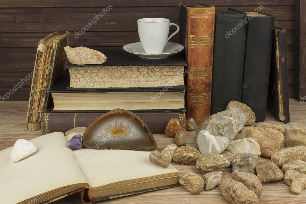 The study of mineralogy. University studies. The science of minerals and rocks. Preparation for the exam at the University of mineralogy. Scientific work.