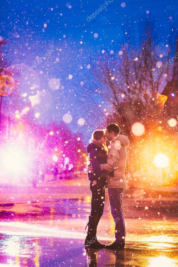 Snow lovers kiss city