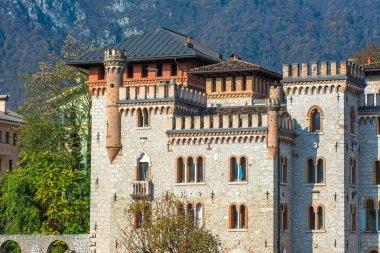 Il Castello Bortoluzzi - Ponte nelle Alpi