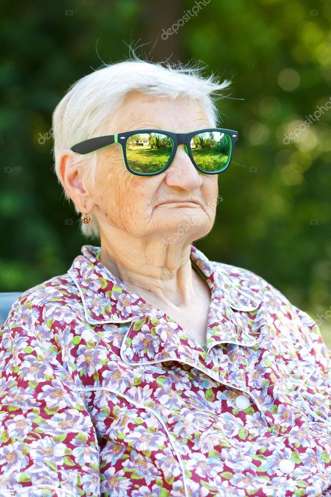 скачать фото старухами без смс и регистрации