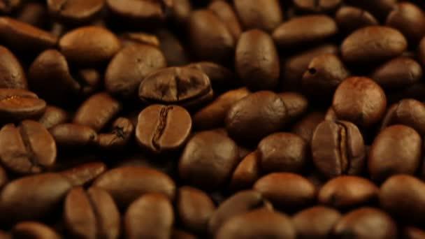 Closeup pražené kávové zrno