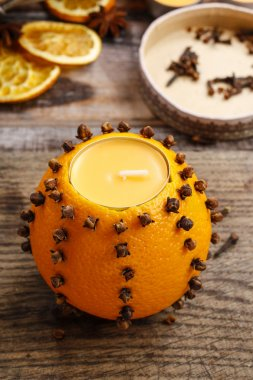 How to make orange pomander ball with candle - step by step
