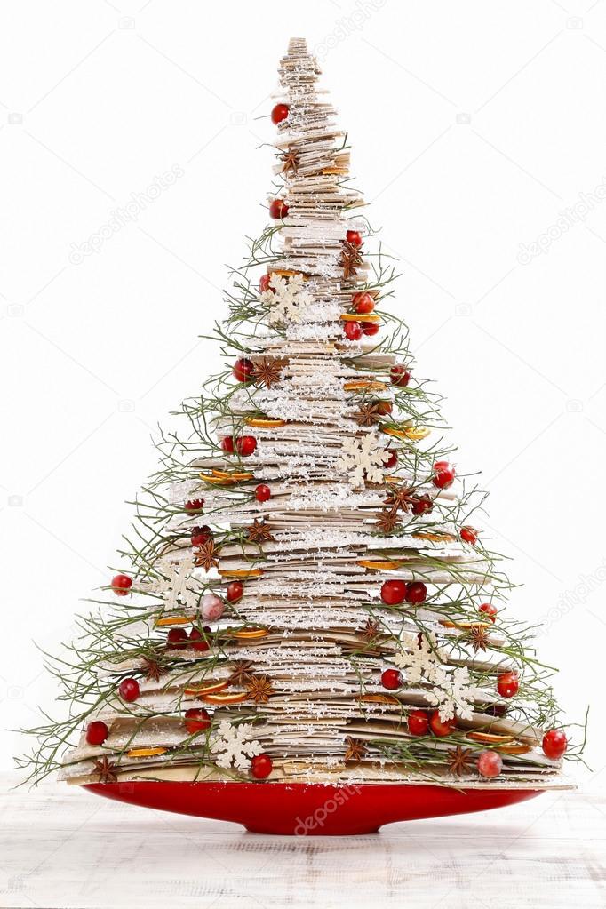 Moderner Weihnachtsbaum.Moderner Weihnachtsbaum Isoliert Stockfoto C Agneskantaruk