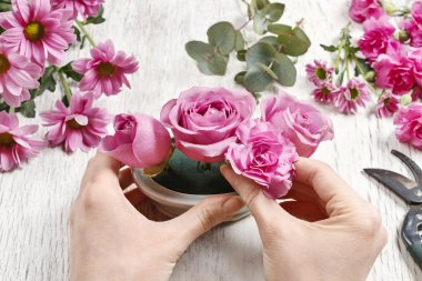 How to make floral arrangement (table centerpiece) with rose, ca