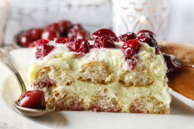 Cherry cake with lady finger biscuits