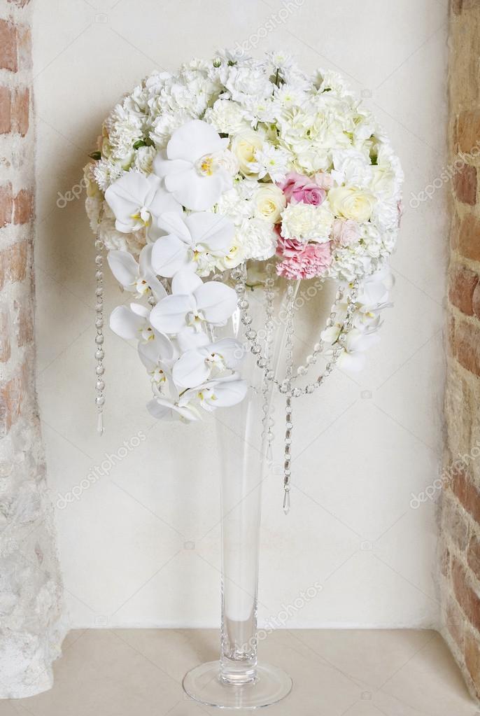 Arreglo Floral Con Orquídeas Blancas De La Boda Fotos De