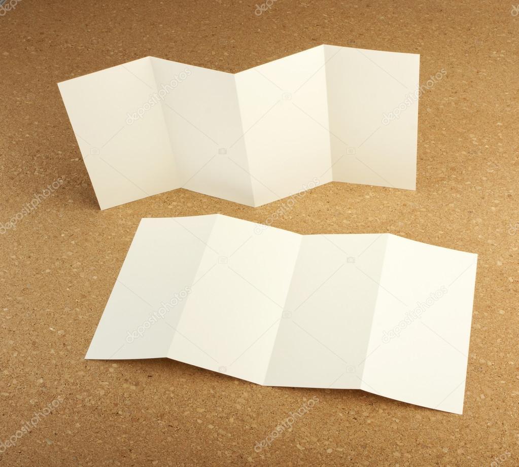leere weiße Falten Papier flyer — Stockfoto © fontgraf #62773253