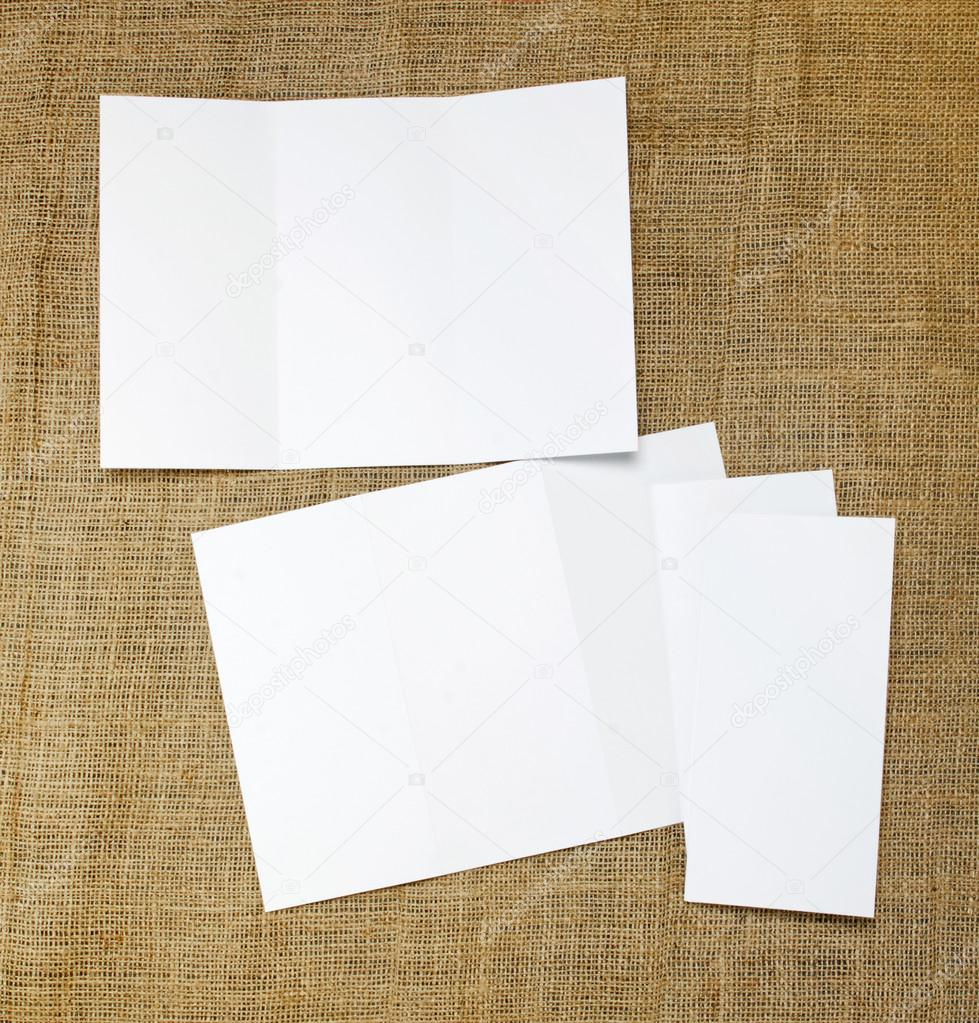 leere weiße Falten Papier flyer — Stockfoto © fontgraf #62774973