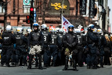 Riot in the Montreal Streets to counter the Economic Austerity M