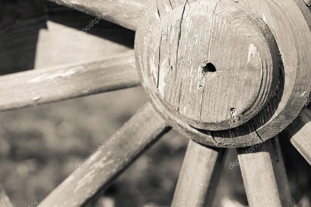 Grote Houten Wielen.Deel Grote Houten Wiel Voor Een Retro Closeup Van Gharry