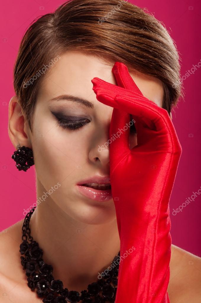 Фото красивых девушек в перчатках