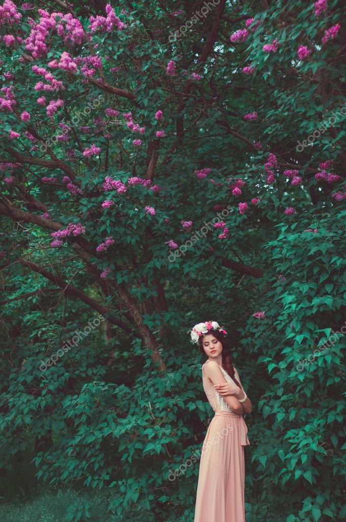 Фото красивых девушек в длинном платье