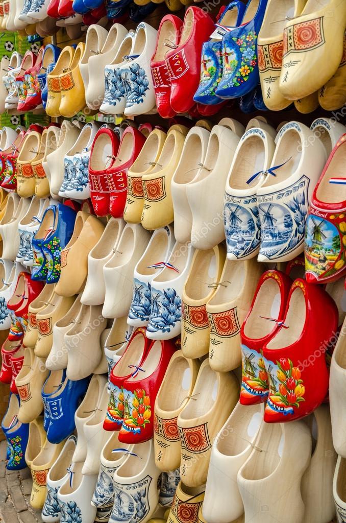 enorme sconto 09dc1 b5bc4 Fotografie: di scarpe zoccoli | scarpe di legno tradizionali ...