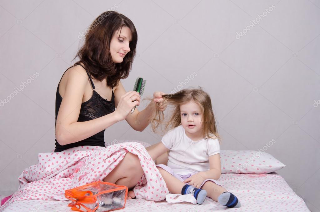 скачать видео мама дочка