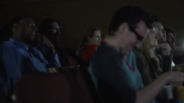 Jelenetek egy tipikus mozi