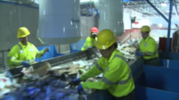 Behind the scenes look at the steps of modern recycling