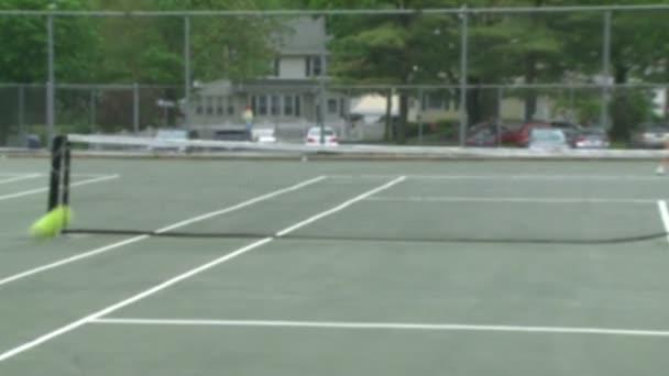 Vysoké školy dívky na tenisové praxe