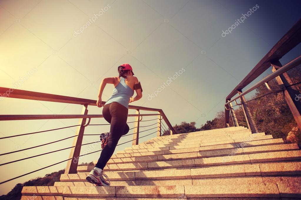Ходьба по лестнице или бег для похудения? Видео - Womans