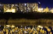 Fotografie Die Reflexion der Stadt bei Nacht