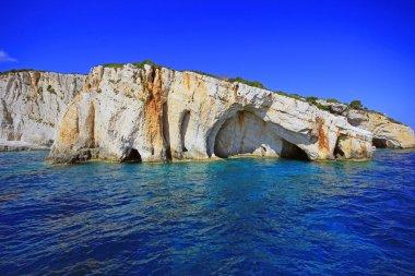 """Картина, постер, плакат, фотообои """"голубые пещеры на скале острова закинф картины пейзаж море"""", артикул 82388948"""