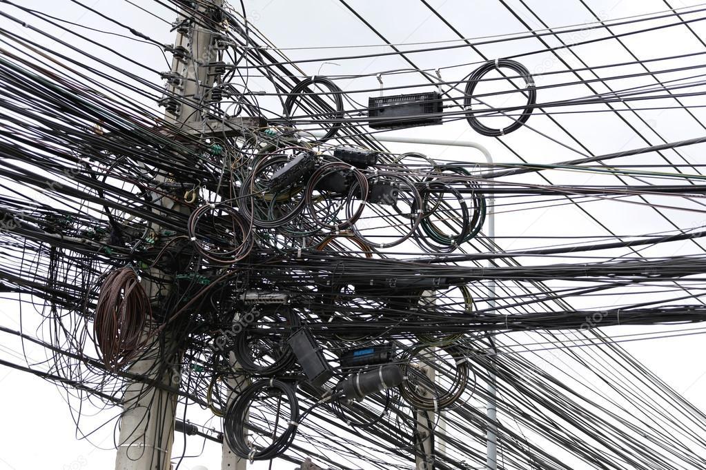 Signal Kabel-Wirrwarr — Stockfoto © meepoohyaphoto #80882420