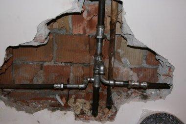 Broken pipe old