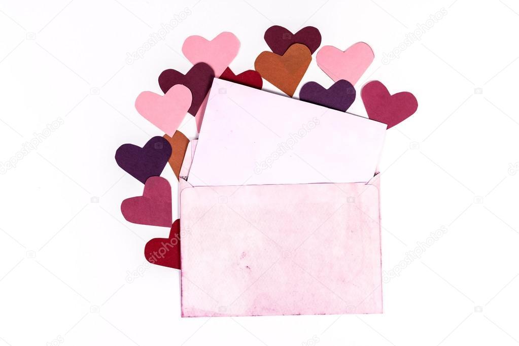 Sobre vintage con páginas de color rosa y corazones — Fotos de Stock ...
