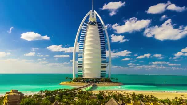 Hotel burj al arab v Dubaji