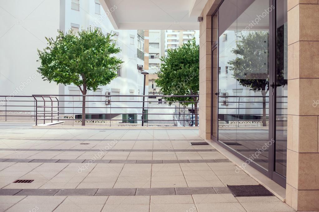 Piccolo Ufficio Moderno : Esterno di un edificio piccolo ufficio moderno u2014 foto stock
