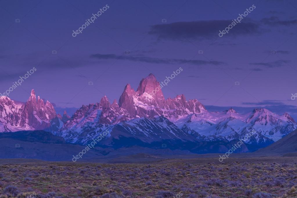Fitz Roy. El Calafate. Sunrise. Patagonia. Argentina.