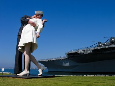 SAN DIEGO, CALIFORNIA, US - MARCH 15, 2007: Sculpture of kissing seaman and girl based on famous World War II photo at aircraft carrier Nimitz museum in San Diego California, US on March 15, 2007