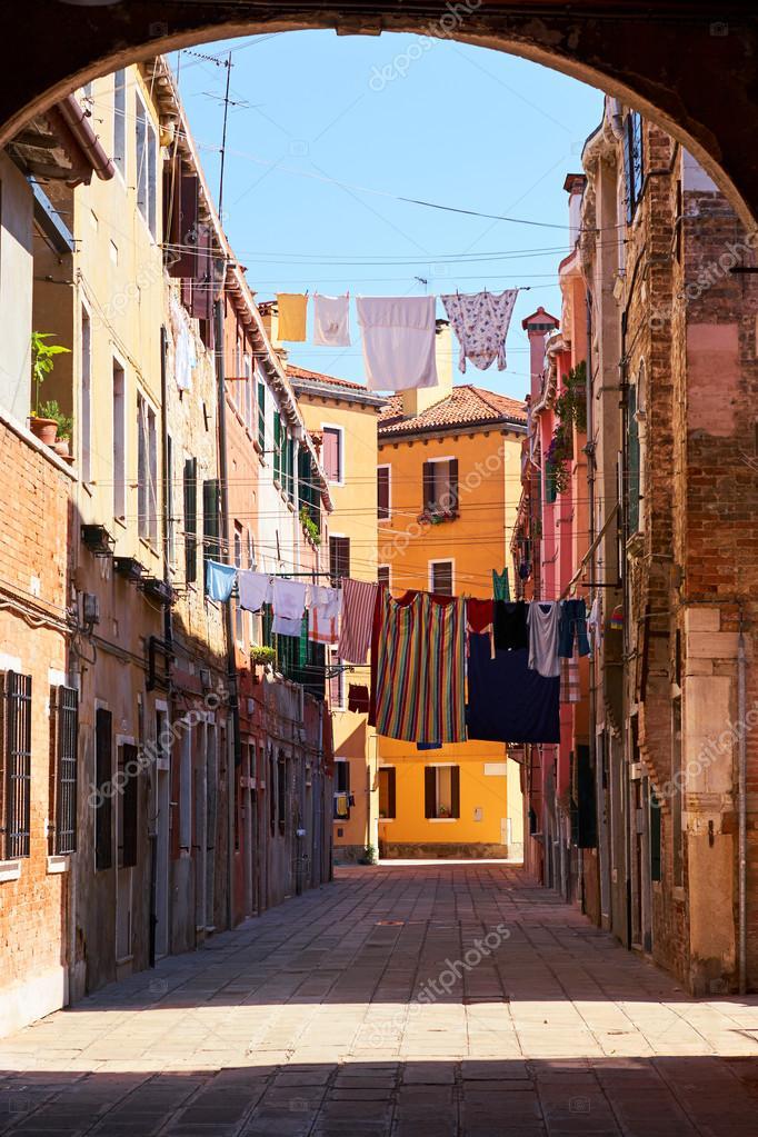 Colores Fachadas De Antiguas Casas Medievales En Venecia Italia - Fachadas-antiguas-de-casas