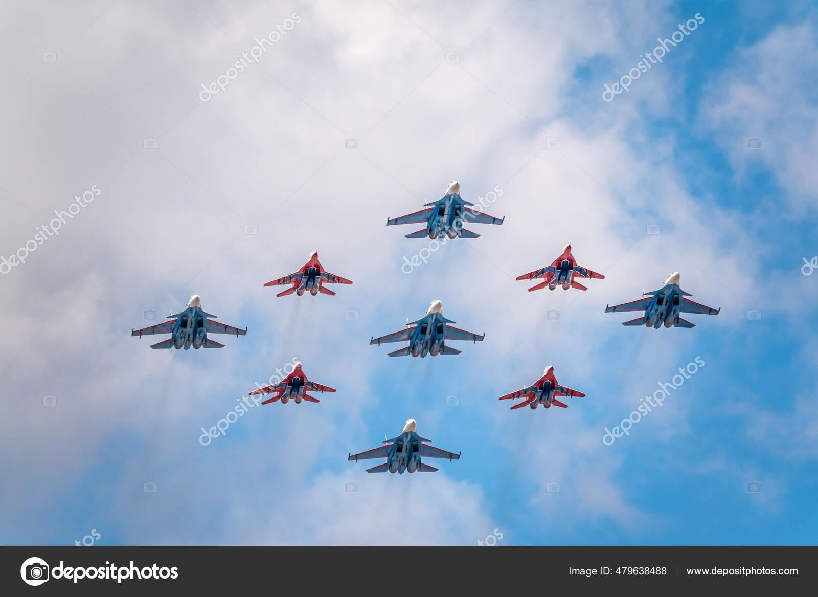 Moscú Rusia Mayo 2021 Forma Diamante Mig Los Caballeros Rusos Foto Editorial De Stock Wert1007 Gmail Com 479638488