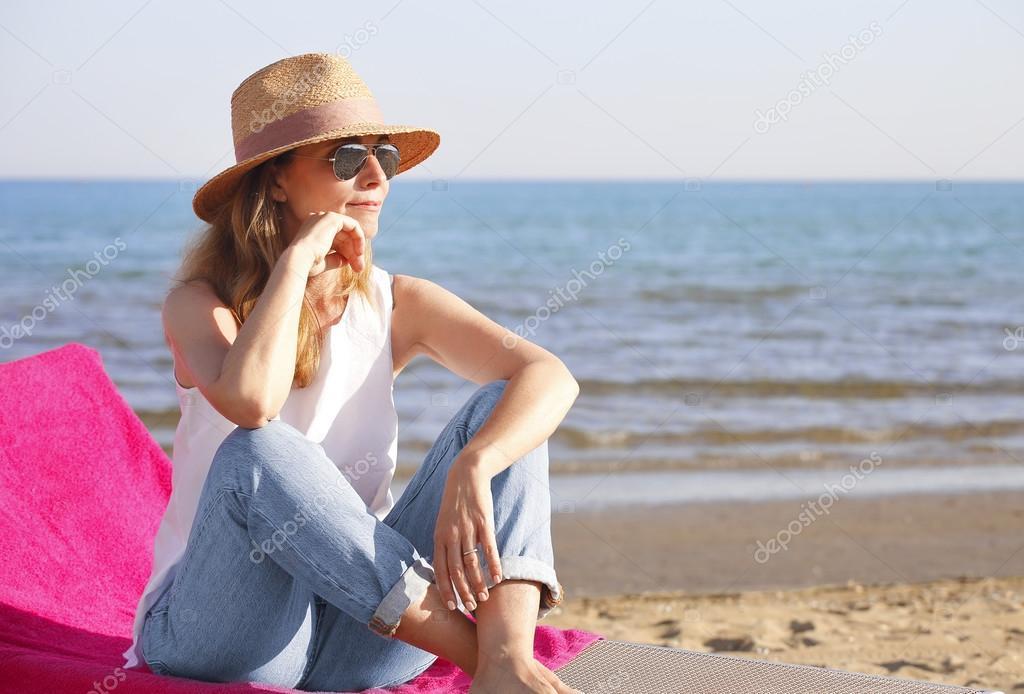 Молодые пляж и зрелые бабы подборки любительские пухлые