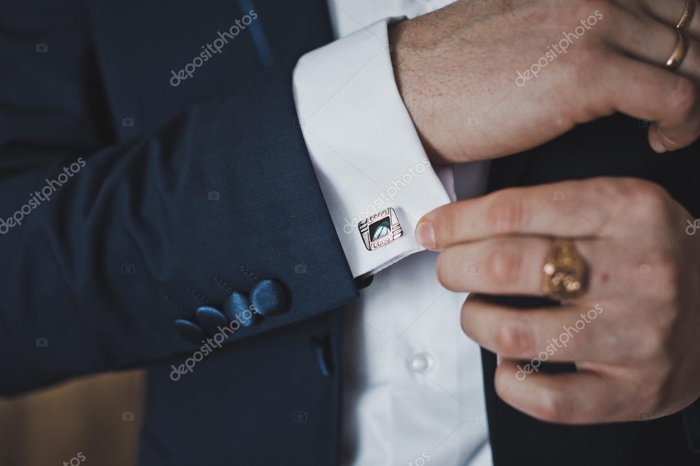 Uvedení na Manžetové knoflíčky na manžety košile 6408 — Stock fotografie 87187a0da6