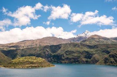 """Картина, постер, плакат, фотообои """"кальдера куикоча и озеро в эквадоре южной америки постеры картины фото"""", артикул 72886403"""